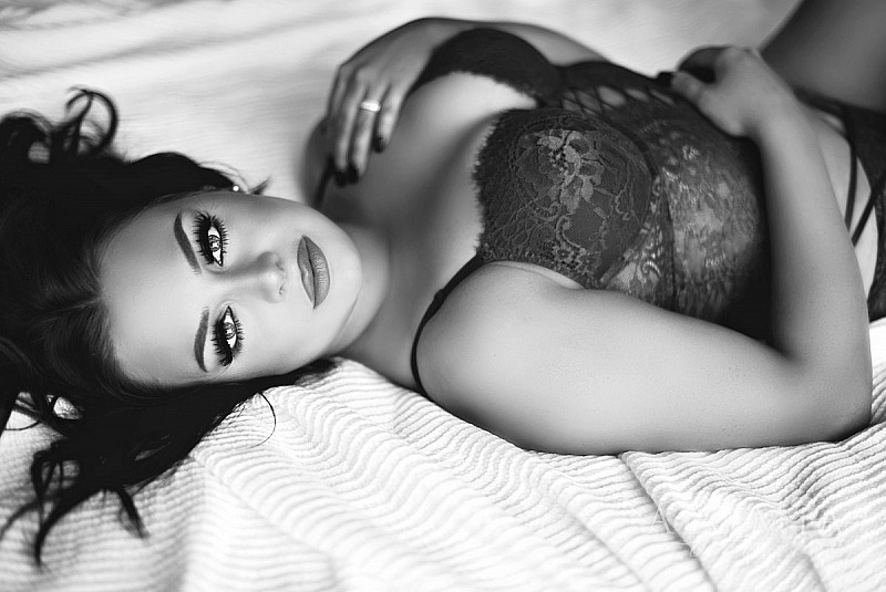 Boudoir Shoot with Lovely Miss T