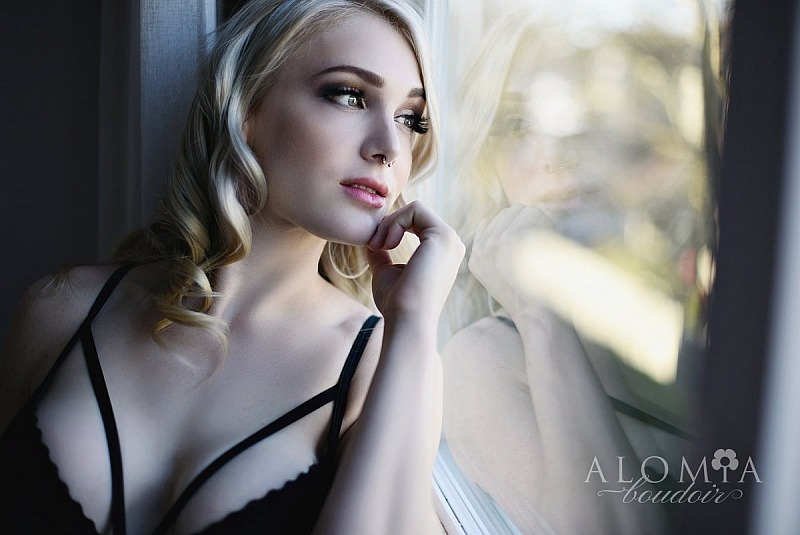 Boudoir Shoot with Fabulous Miss N