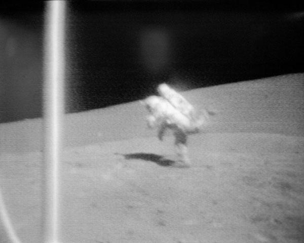 Fin al misterio de las caídas de los astronautas en la Luna  - 1