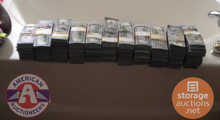 Un hombre encuentra $7.5 millones en un depósito comprado en
