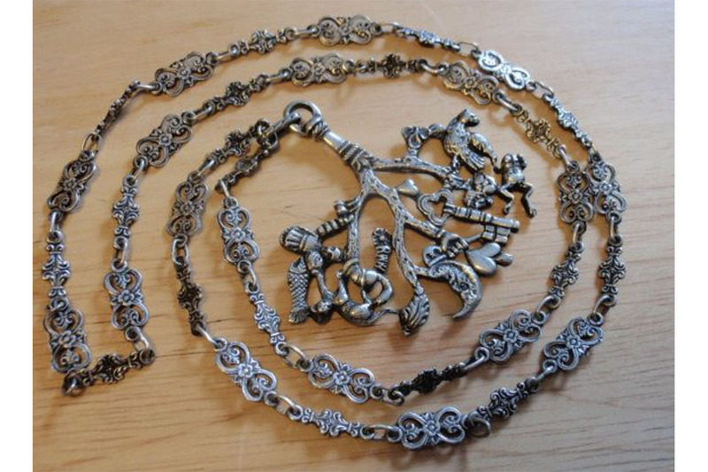A photograph of the cimaruta charm, used in Italian witchcraft, paganism, and folklore