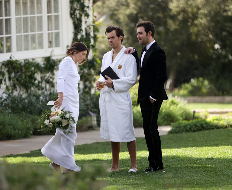 harry styles officiating a wedding in hotel robe, what to wear to perform marriage