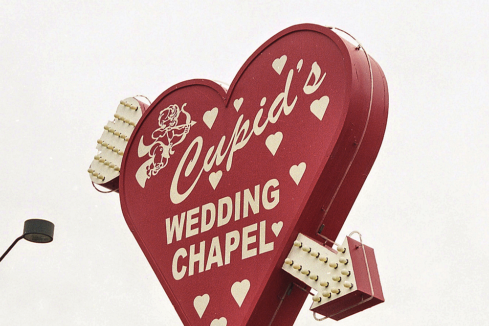 Nevada wedding laws how to get married in vegas officiant minister