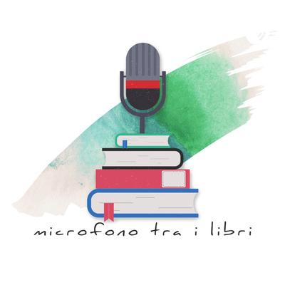 microfono tra i libri