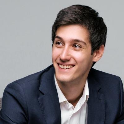 3 Marketing minutes with Vlad Sapozhnykov (Founder of Adloonix)