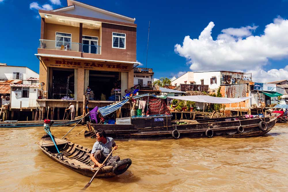 Life of the Vietnamese people on the Mekong River in Ho Chi Minh. Photo: Shutterstock