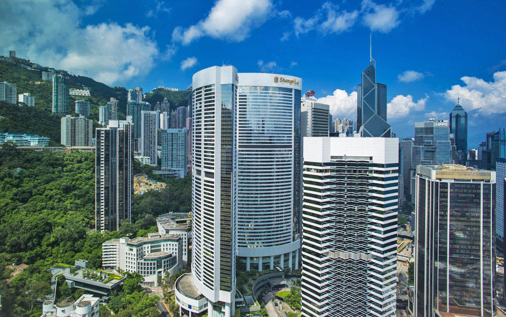 Island Shangri-La Hotel. Photo: Shutterstock