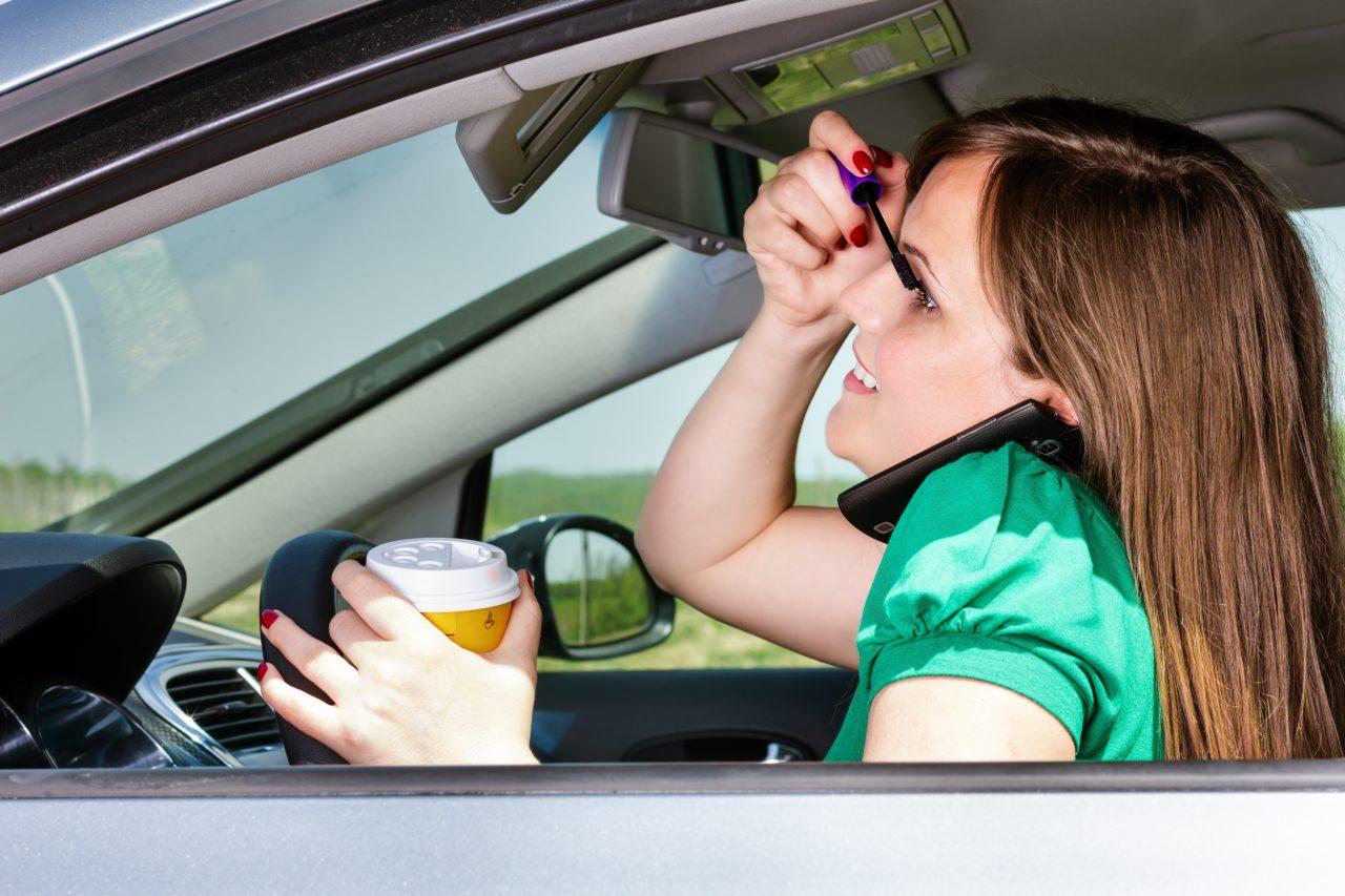 Accidentes de tráfico y comportamientos peligrosos al volante