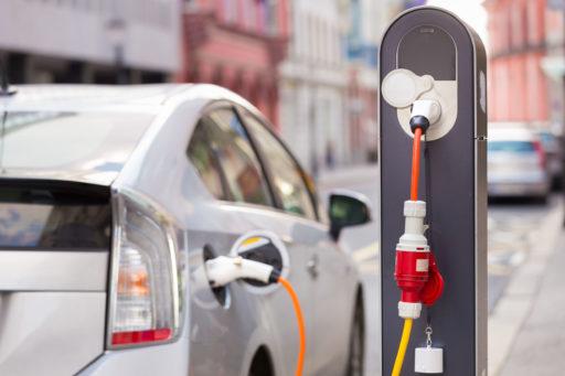 autos híbridos y autos eléctricos
