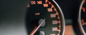 Qué significan las luces en el tablero del auto