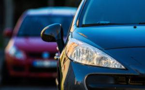 ¿Puedo tener descuento en el seguro de mi auto si tengo dos coches?