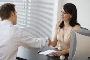 ¿Cómo resolver una disputa con tu compañía de seguros?