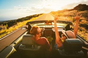 Seguro de auto para jóvenes; ¿barato o caro?