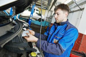 Descubre qué elementos de tu coche tienes que cambiar con este test