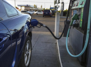 Descubre si debes ponerle gasolina Premium o Magna a tu coche