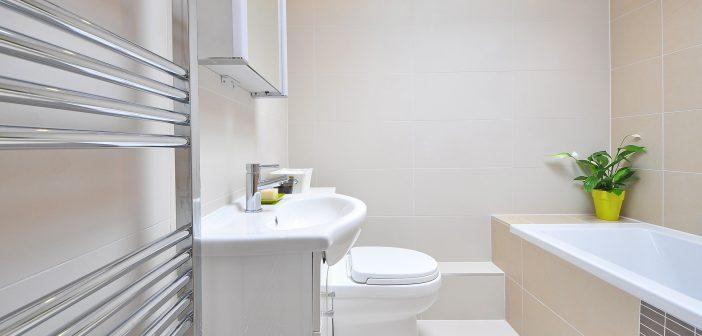 5 tips para darle color al baño