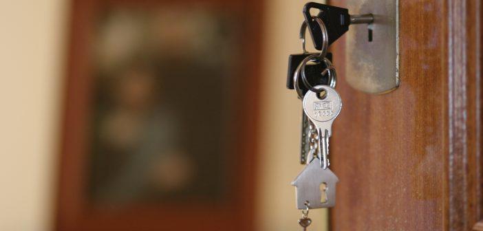 Para los créditos hipotecarios se podrán comprar hasta USD 100.000 sin el impuesto del 30%