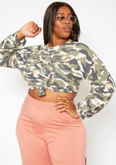Plus Size Camo Print Crew Neck Sweater
