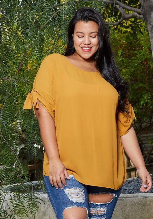 Pleione Round Neck Self-tie Short Sleeve Top Plus Size Women Clothing