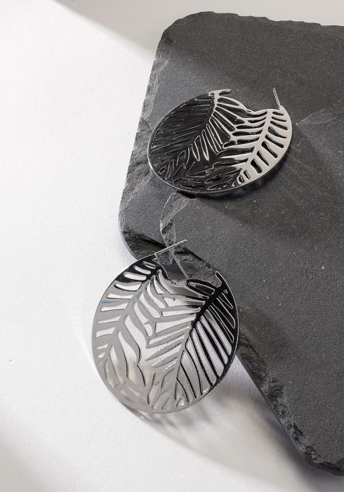 Bold Leaf Oriental Earring