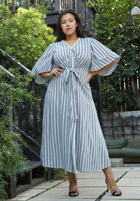 Nurode Plus Size Lace Trim Tie Front Maxi Dress