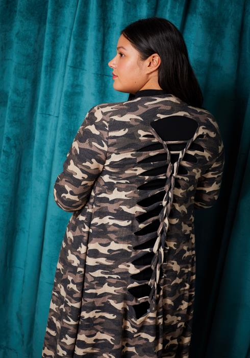 Asoph Plus Size Ripped Back Camo Print Cardigan