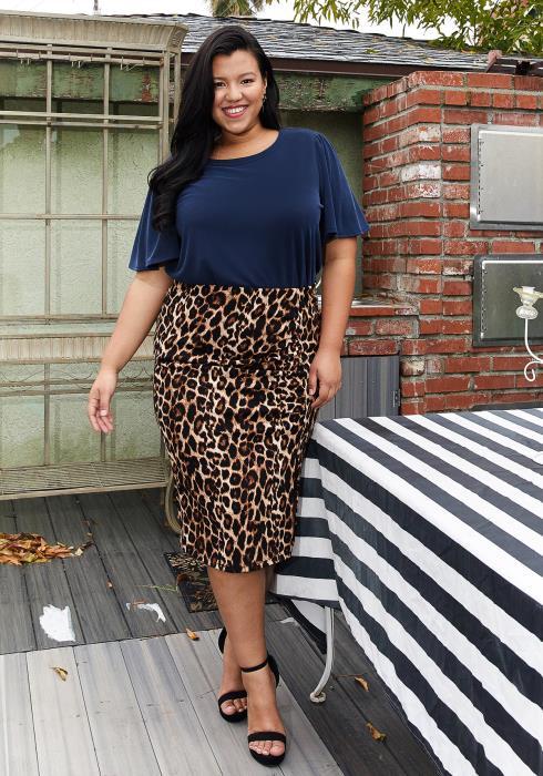 Pleione Plus Size Leopard Print Midi Skirt