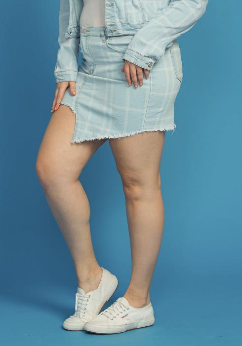 Asoph Plus Size Frayed Hem Checkered Denim Skirt