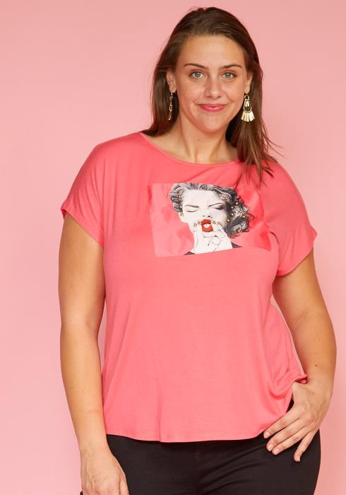 Asoph Plus Size Short Sleeve Hi-Lo Graphic Tee