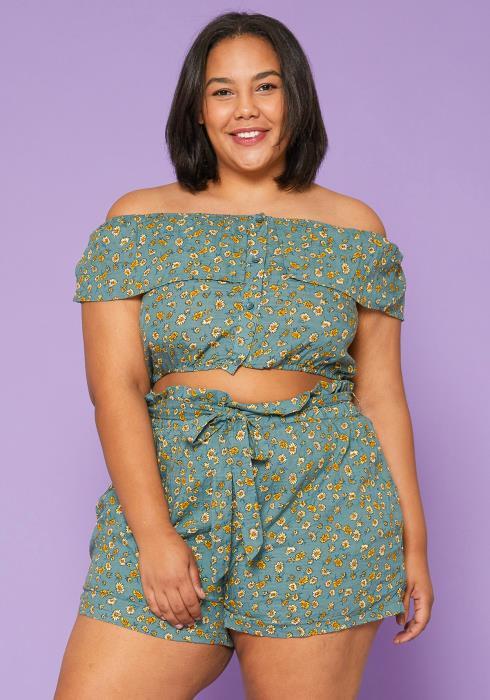Asoph Plus Size Crop Top & Shorts Set