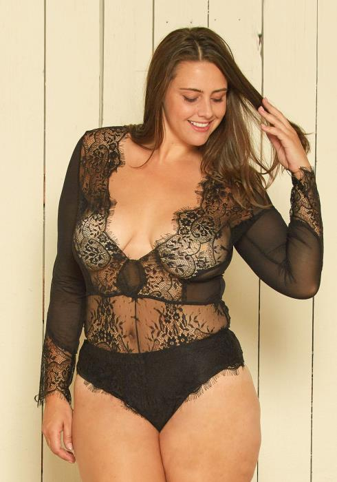 Asoph Plus Size Scallop Lace Bodysuit