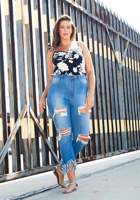 Asoph Plus Size Frayed Hem Cropped Jean