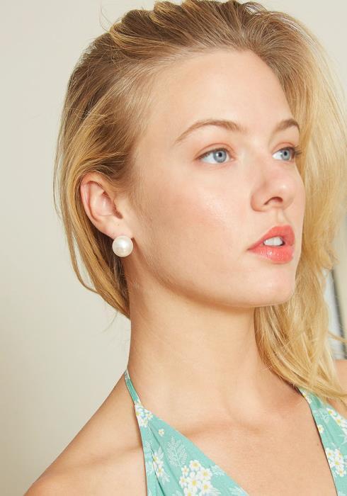 Paradise Pearl Stud Earrings