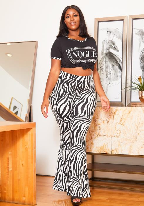Asoph Curvy Womens Vogue Graphic Tee & Zebra Print Flare Leggings Set