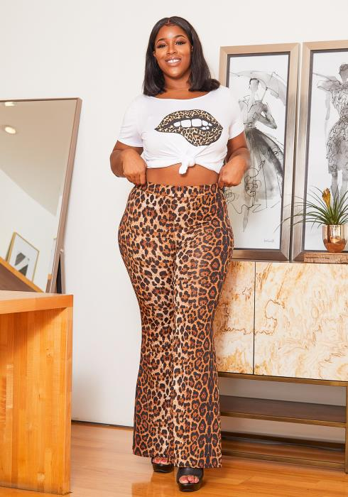 Asoph Curvy Womens Leopard Babe T Shirt and Flare Legging Set