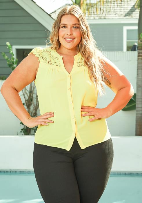 Asoph Plus Size Embroidered Hem Button Front Sleeveless Blouse