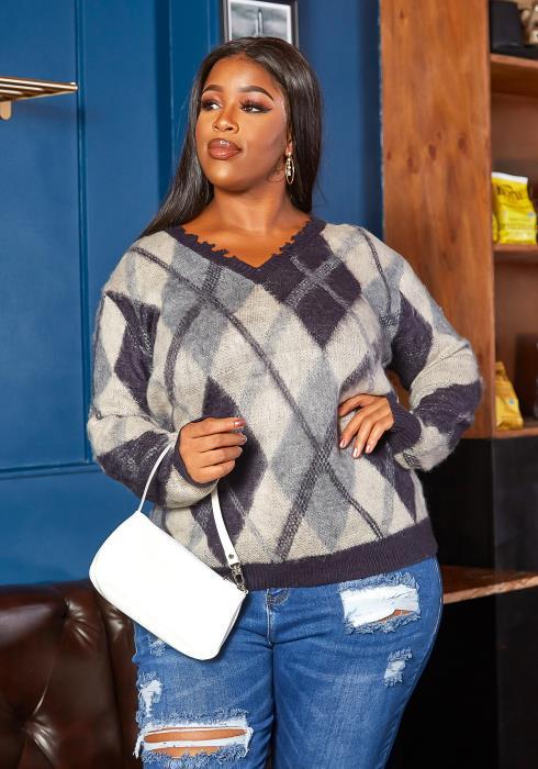 Asoph Plus Size Argyle Plaid V Neck Knit Sweater