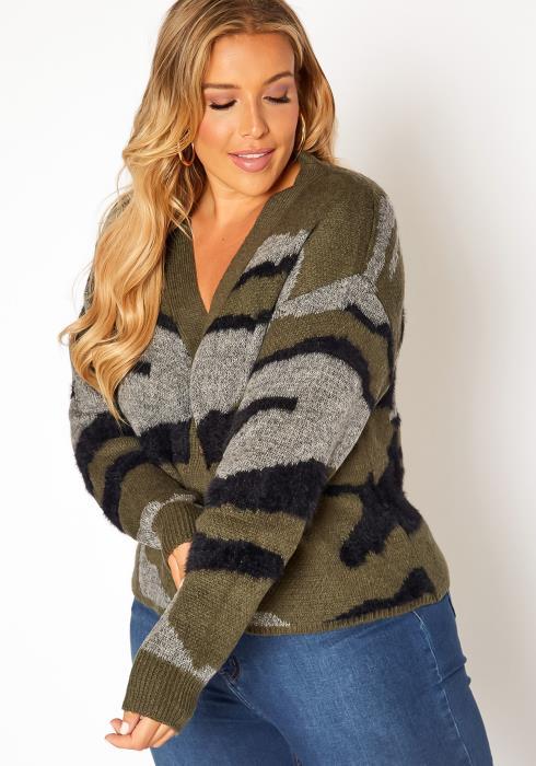 Asoph Plus Size Camo Print Fuzzy Knit Cardigan