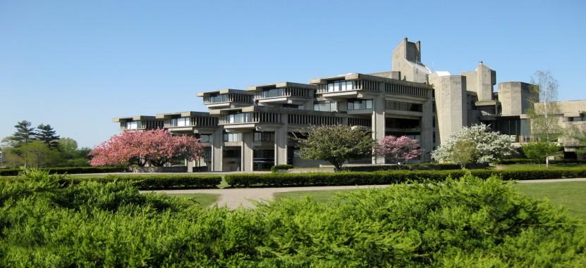 University of Massachusetts-Dartmouth | Overview | Plexuss.com
