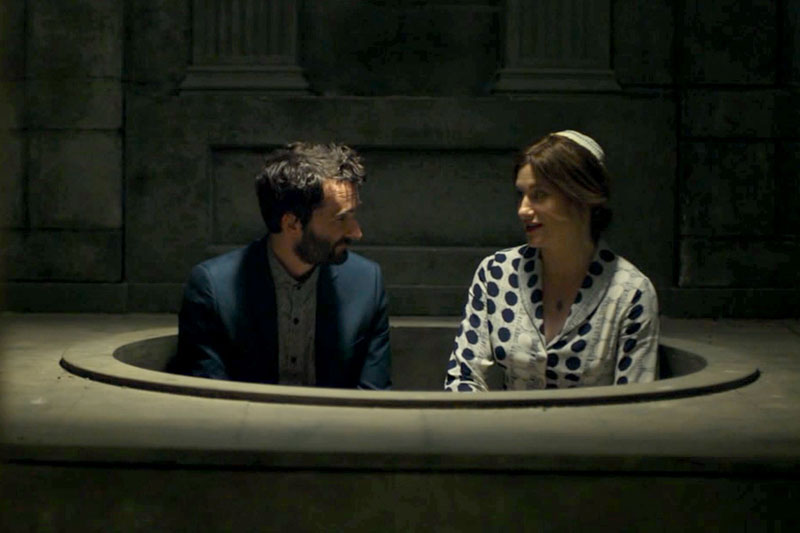 Jay Duplass and Kathryn Hahn in Transparent