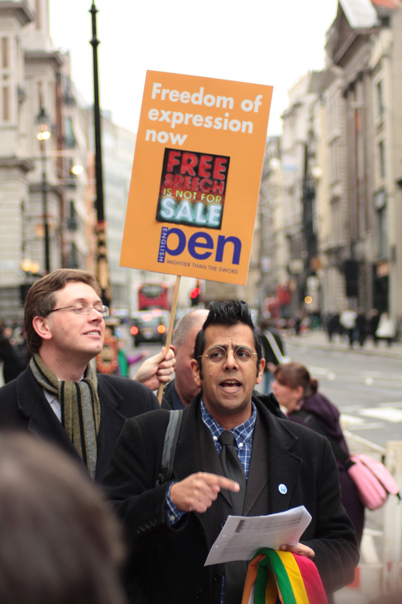 Simon Singh with his lawyer Robert Dougans at the Royal Court