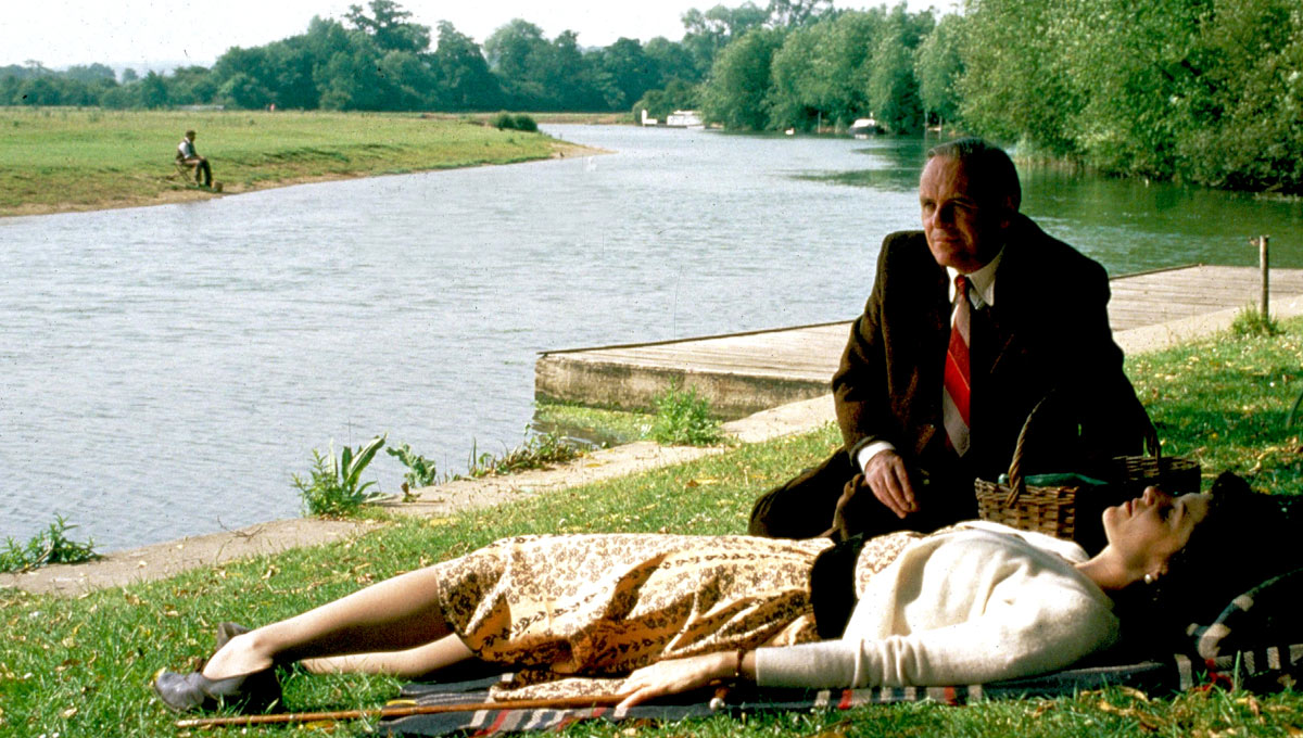 Anthony Hopkins and Debra Winger in Shadowlands