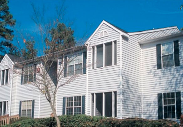 Exterior view of our College Park apartments
