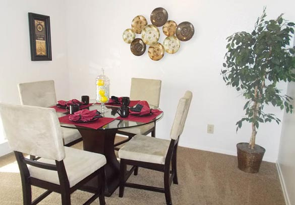 Dallas apartments with spacious dining rooms
