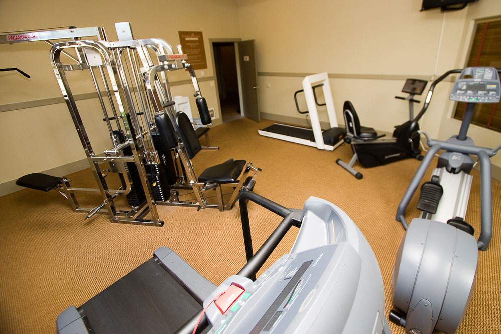 Apartments in University Place have a clean gym