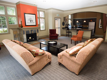 Apartments in University Place has a relaxing lounge area