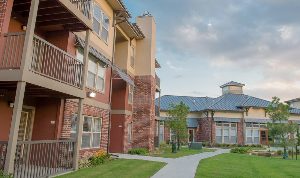 The Reserve apartments in Jenks, OK have balconies for residents enjoyment.