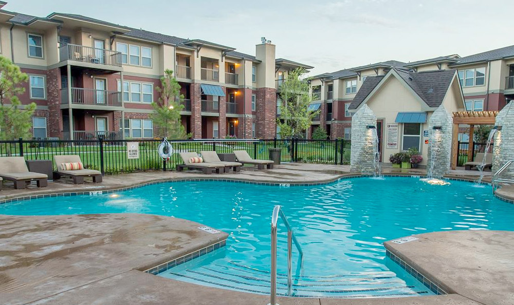 Beautiful swimming pool at Jenks, OK apartments for rent