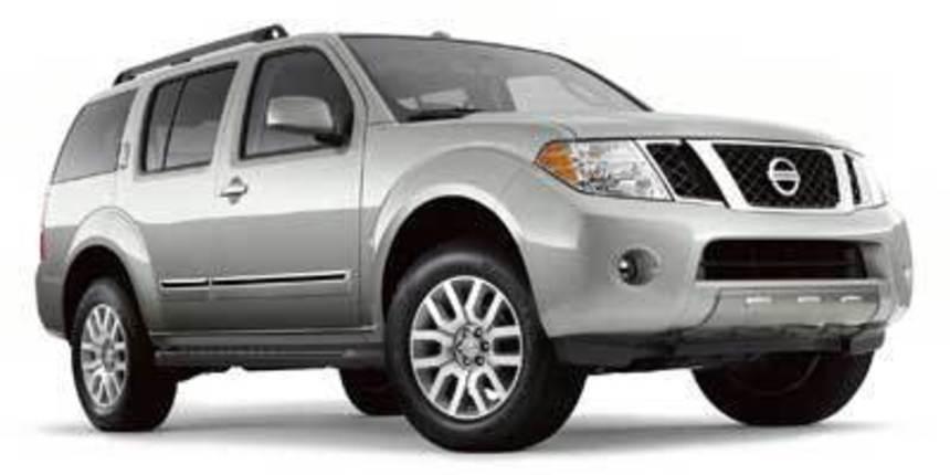 2010. Nissan. Pathfinder