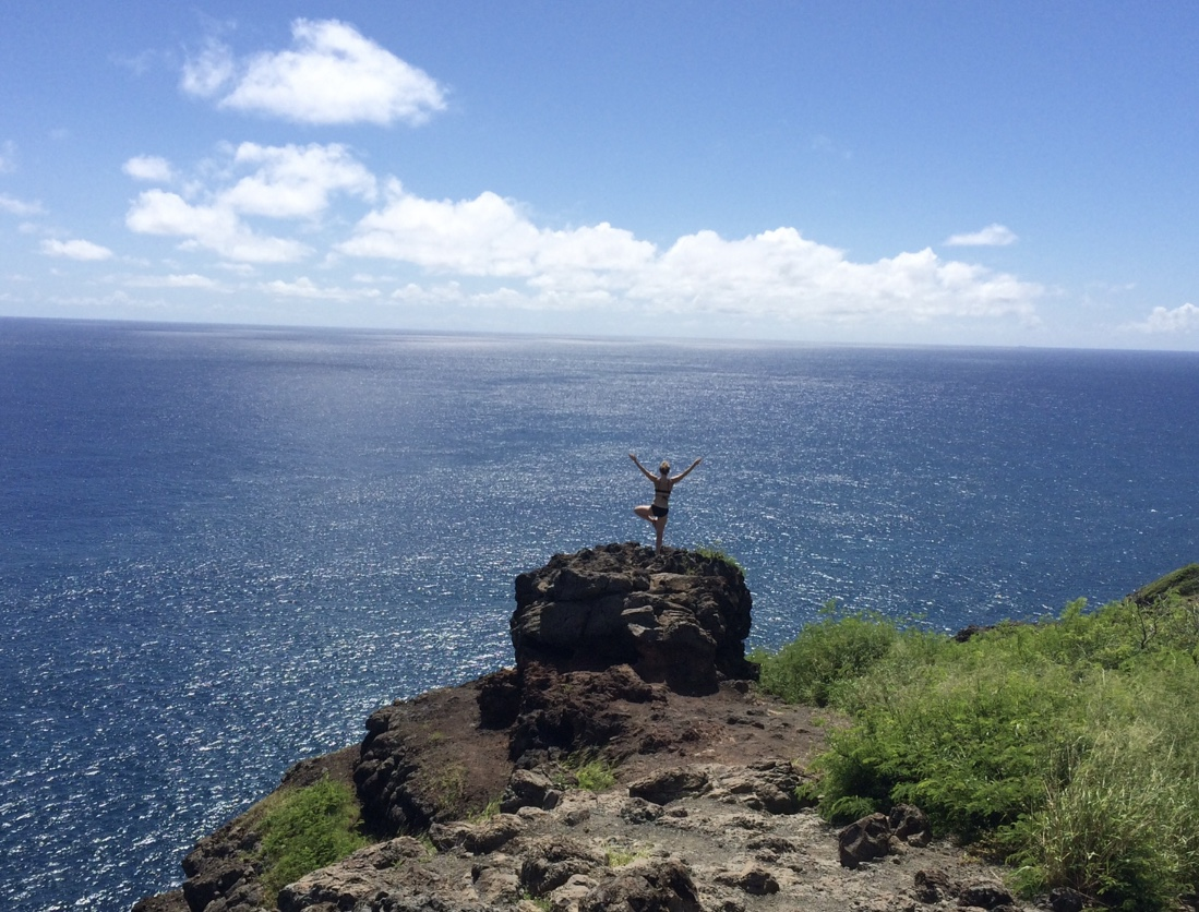 makapuu-lighthouse-hike-oahu-honolulu-hawaii-yoga